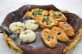 ・秋田県産食材を使った3種類のパン・秋田西部地下で27日から販売.jpg